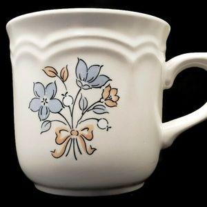 Vintage Dining - Vintage Cordella Bluet Plates and Cups (10 pcs)